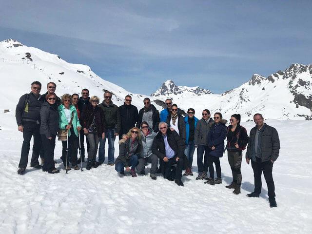 Gruppenbild vom Winterausflug der Ärzte aus dem Augenzentrum Eckert
